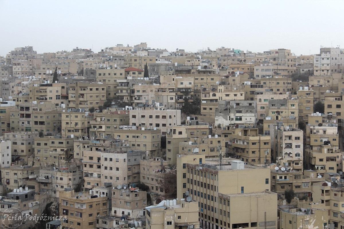 Budynki Ammanu wybudowane jeden przy drugim